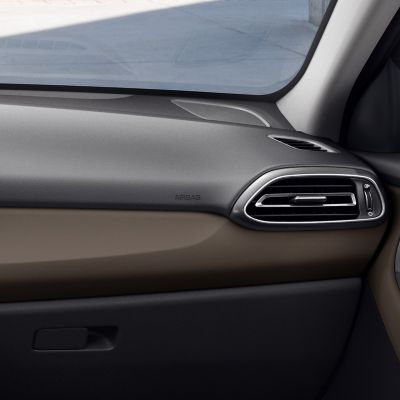 Detail of the new Hyundai i30 Fastback interior in Ebony Brown, one of three new interior colours.